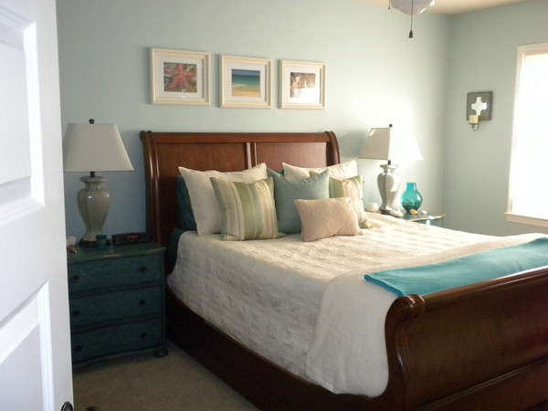 Jodi's Beachy Bedroom