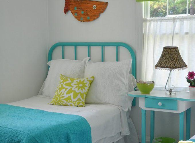 Key Lime Parrot Cottage