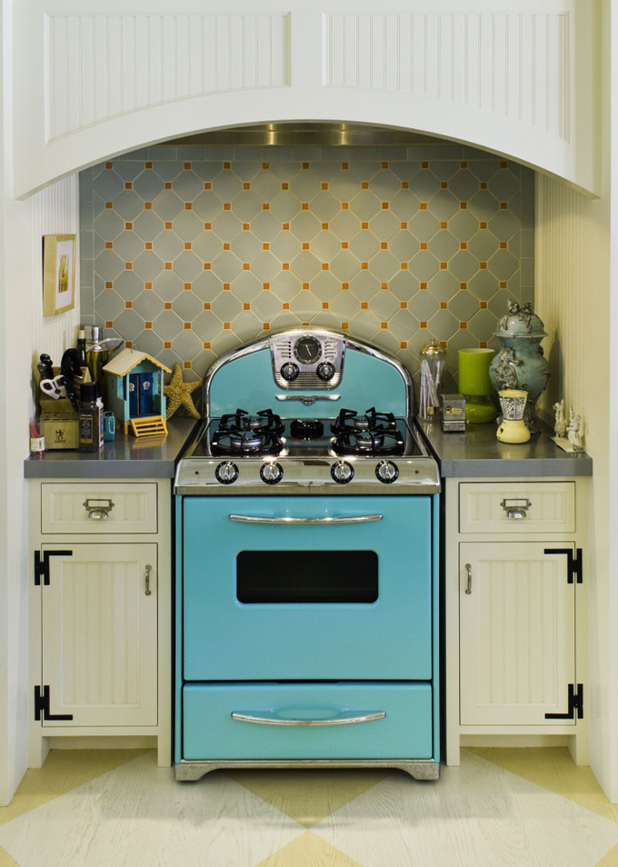 Turquoise Appliances | House of Turquoise on turquoise kitchen color ideas, turquoise retro furniture, red retro kitchen ideas, turquoise home decor ideas,