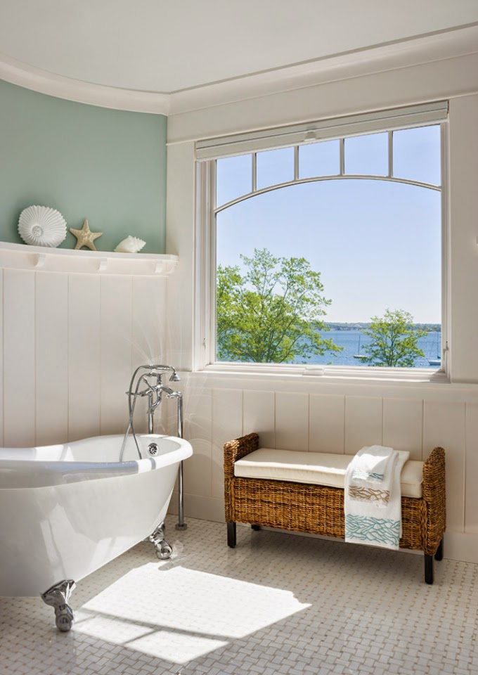 Palladian Blue Bathroom: Ron DiMauro Architects