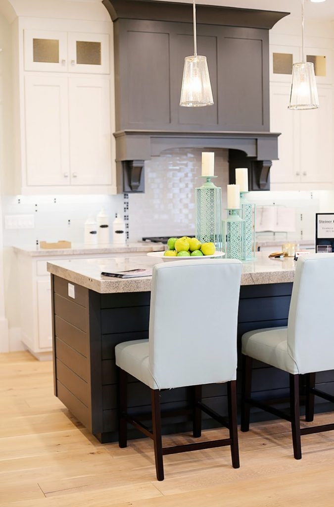 Highland custom homes house of turquoise - Highlands designs custom kitchen cabinets ...