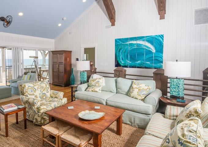 http://houseofturquoise.com/wp-content/uploads/2014/12/CRG-Living-Room-1.jpg