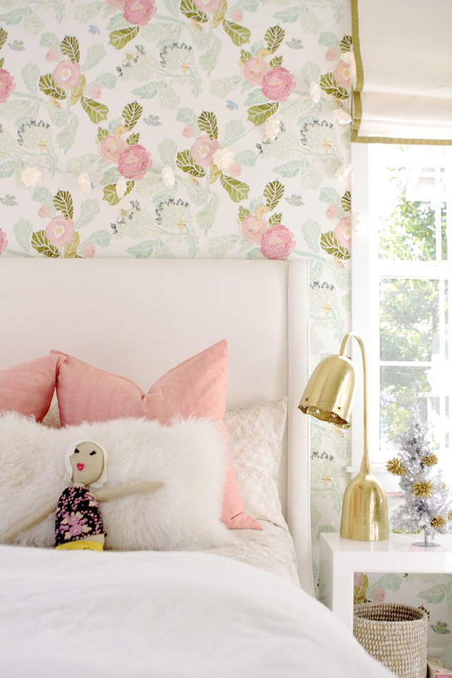 Watercolor peony wallpaper house of turquoise - Chic and stylish pink bedroom design ideas for all time girly look ...
