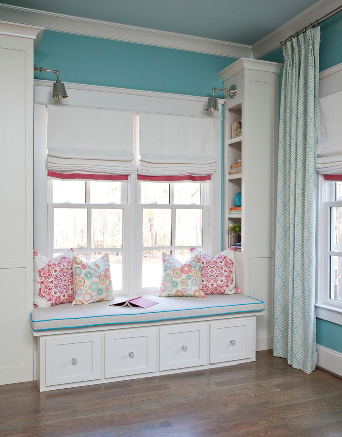 Cristi holcombe interiors house of turquoise for Bedroom window seat designs