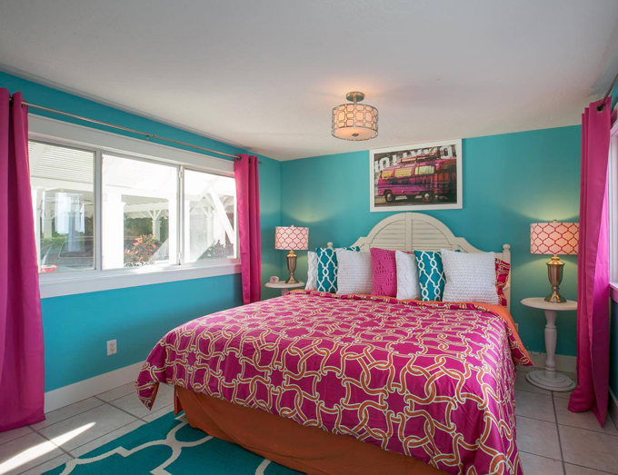Limefish anna maria island florida - Turquoise and pink bedroom ...