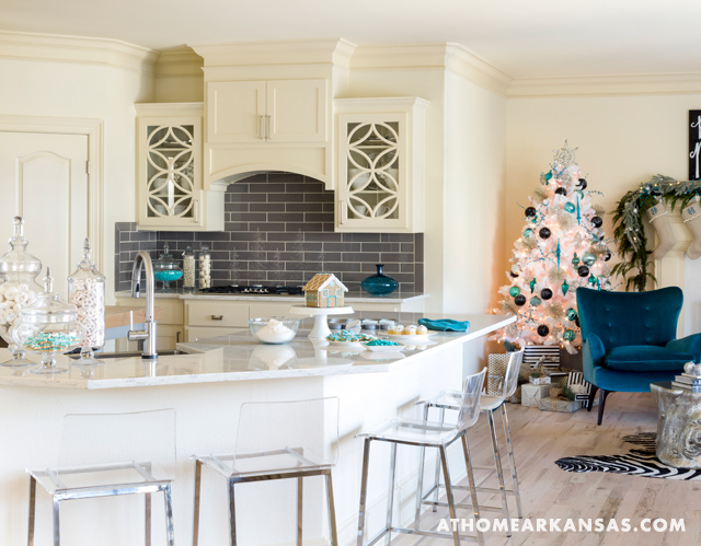Ordinaire This Family Friendly Little Rock, Arkansas Home Designed By Katie Henry Of  Katie Grace Designs Is Warm, Comfortable And Modernu2013with Perfect Pops Of  Color!