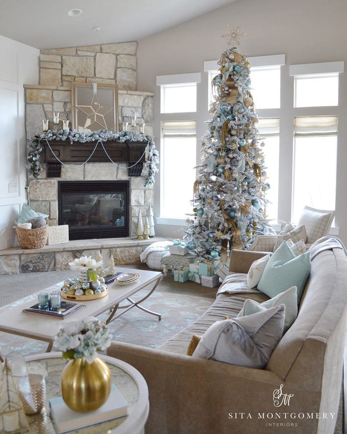 Sita montgomery interiors house of turquoise for Living room xmas ideas