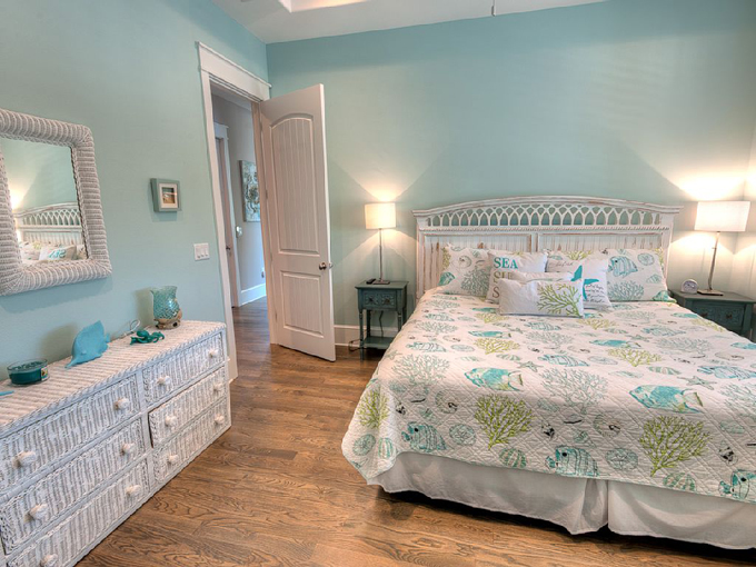Aqua cove anna maria island florida house of turquoise for Island decor bedroom