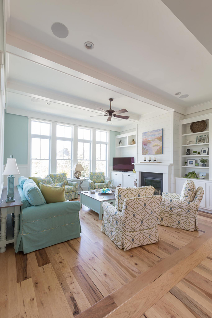 Coralberry cottage house of turquoise - Beach themed living room decorating ideas ...