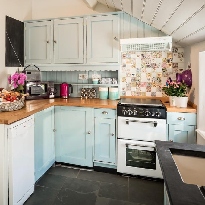Kitchen Teal Cabis On Beach Cottage Kitchens Subway Style: Pixie Nook – Cornwall, United Kingdom