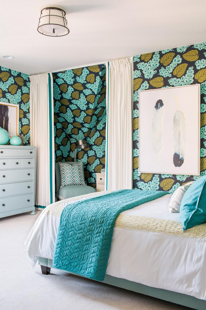 Hgtv smart home 2016 guest bedroom house of turquoise for Turquoise wallpaper for bedroom