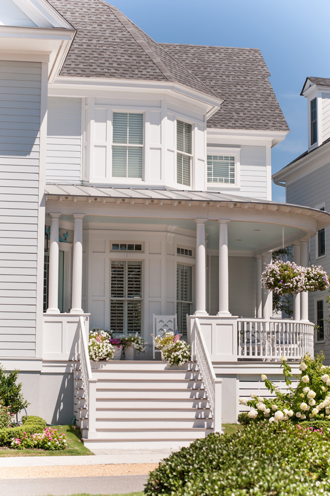 Strickland homes house of turquoise for Architectural exterior design virginia beach