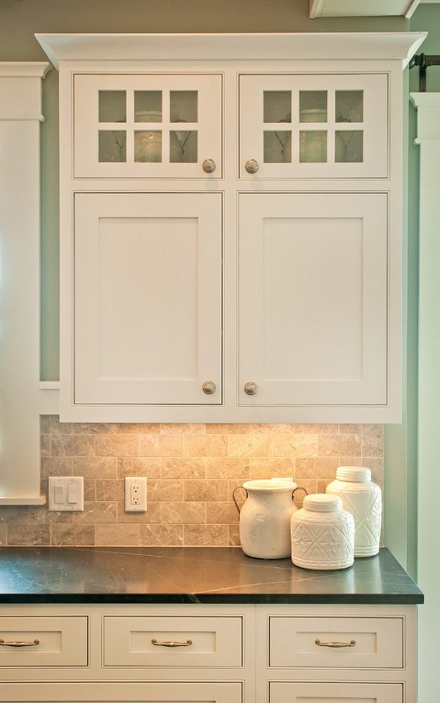 Kp designs and associates house of turquoise for Cottage style kitchen backsplash ideas