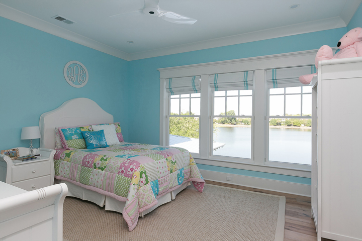 turquoise girls room