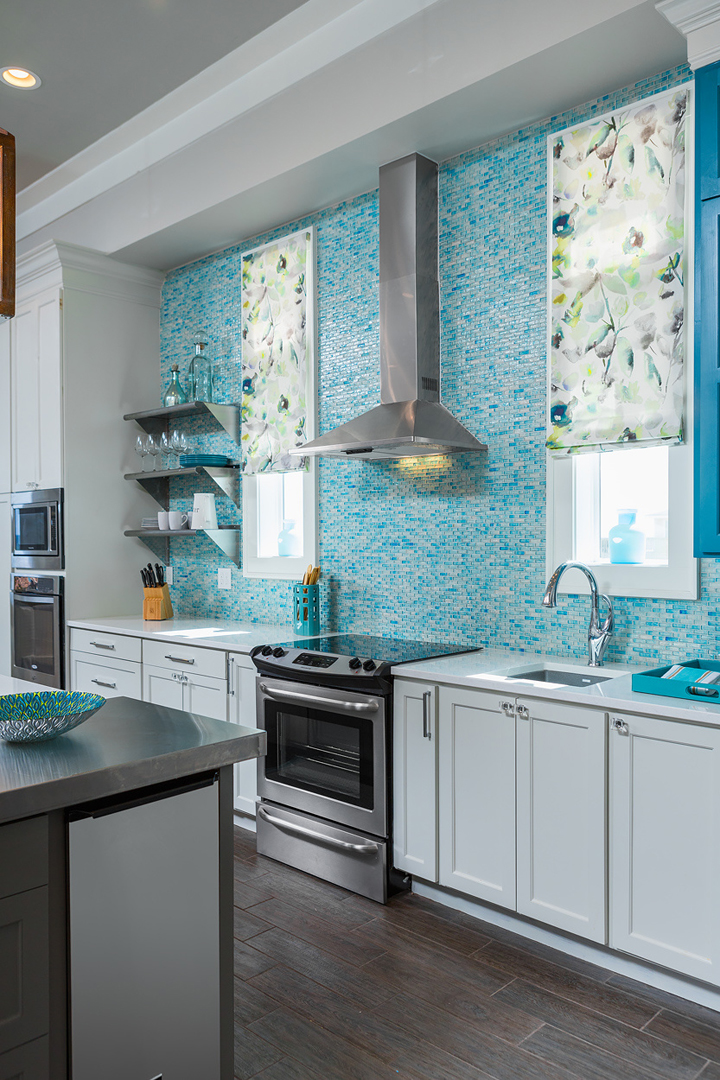 turquoise backsplash tile