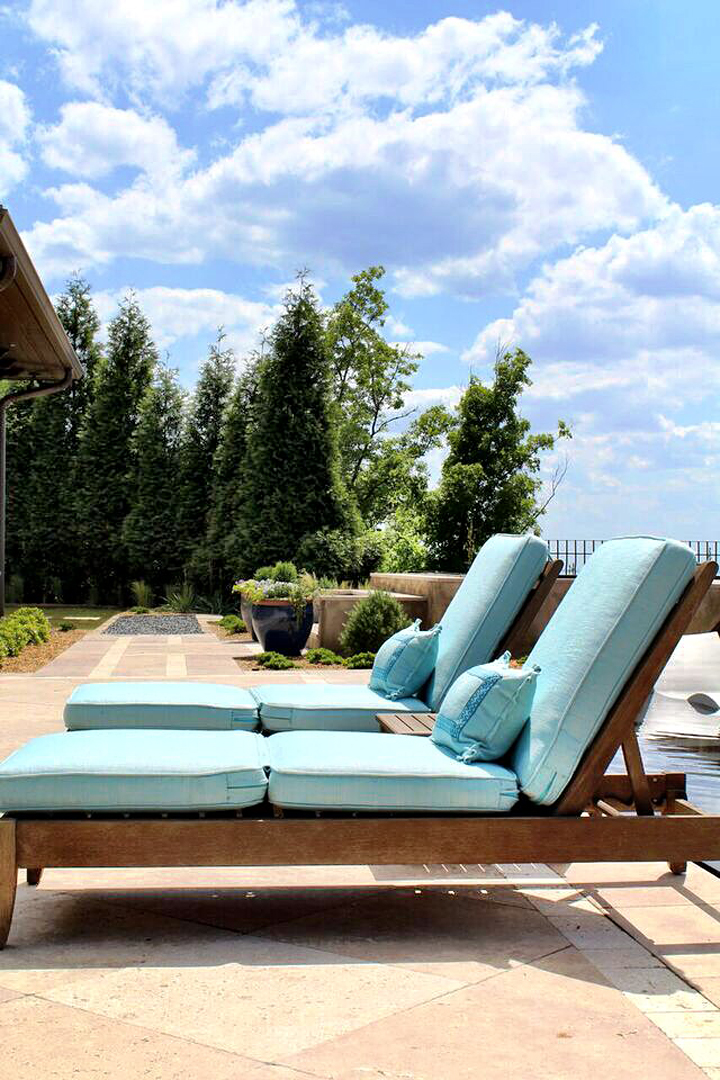turquoise lounge chairs