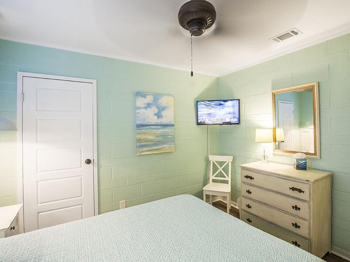 aqua bedroom corner