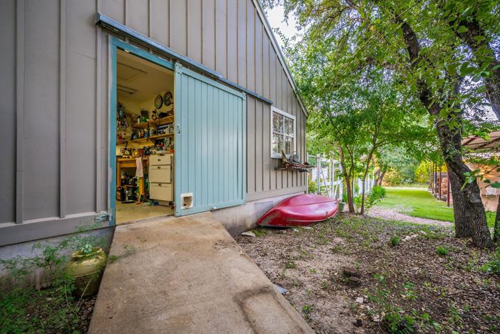 garage-barn-door