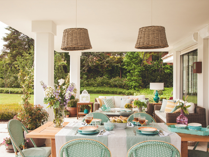 outdoor-dining-living