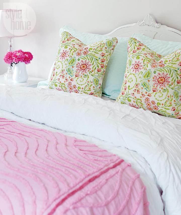 pink aqua bed