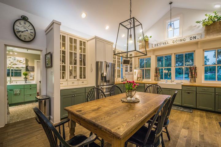 texas-farmhouse-kitchen