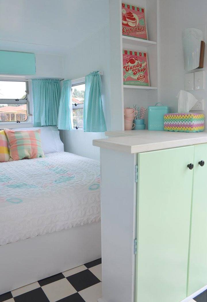 trailer-bedroom
