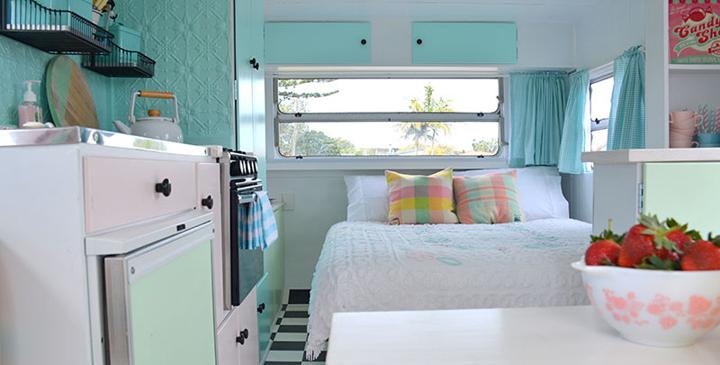 vintage-trailer-bedroom