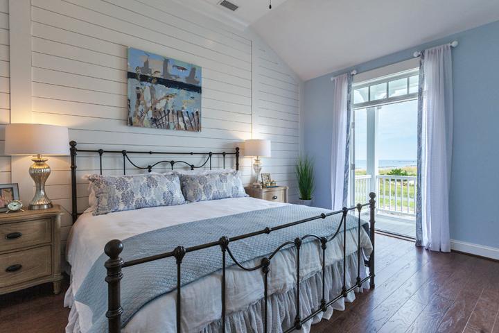 beach-view-bedroom