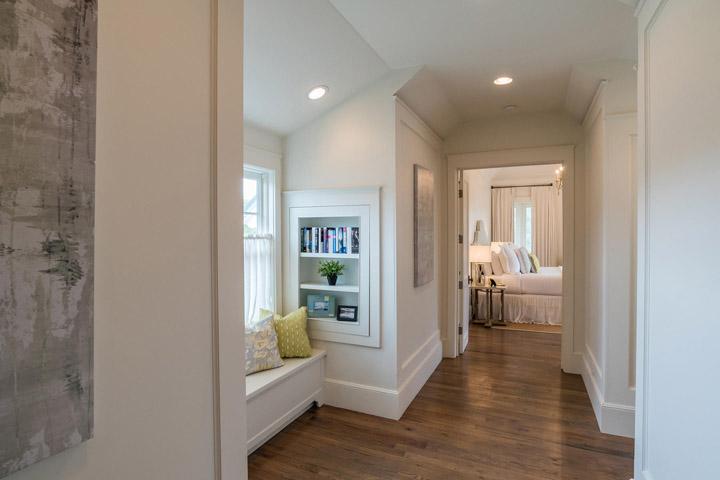bedroom-hallway