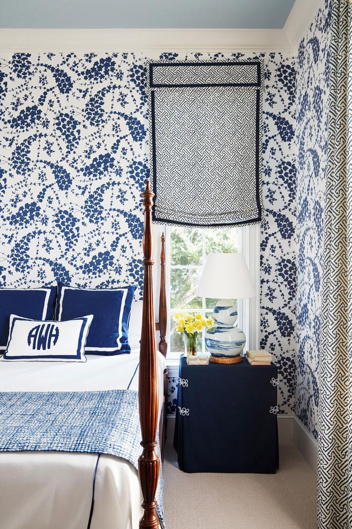 blue-white-bedroom