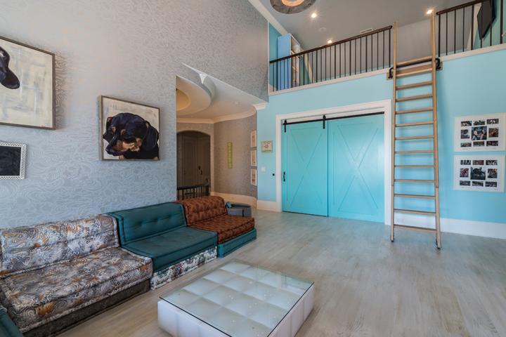family-room-loft