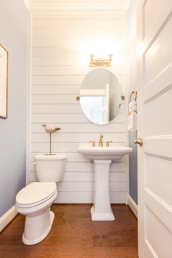 shiplap-powder-bath