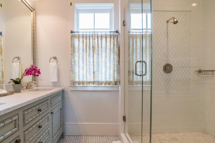 vanity-shower