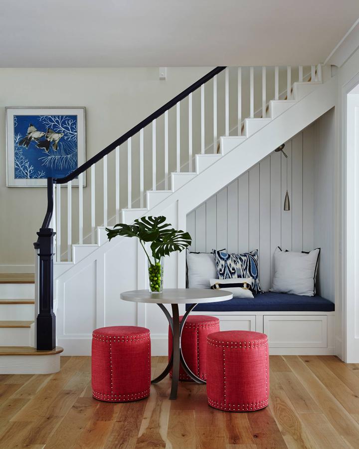 staircase-nook
