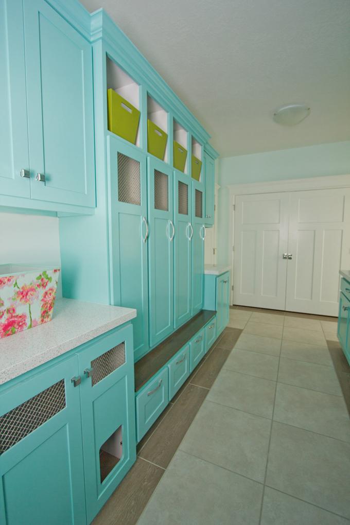 turquoise-lockers