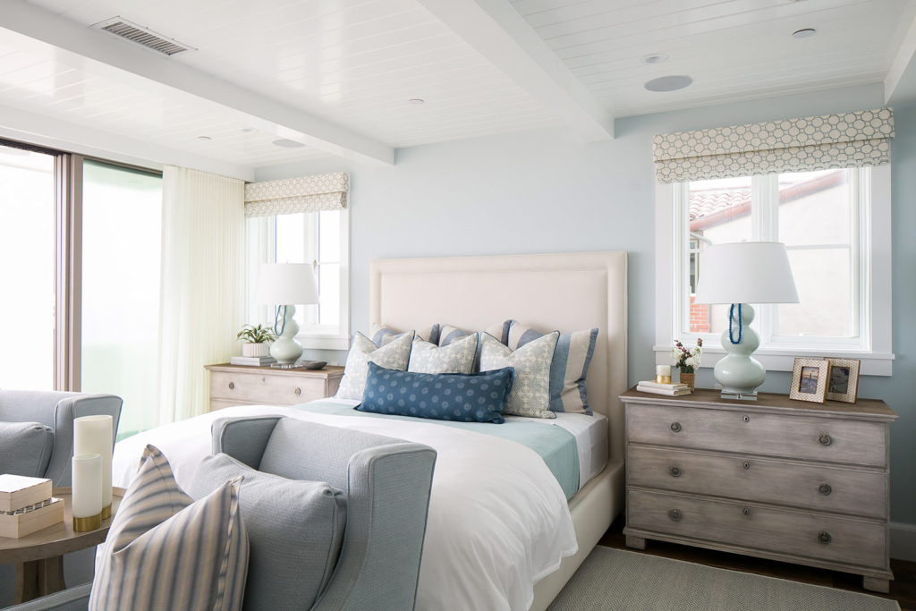 Brooke wagner design house of turquoise for Beach house bedroom ideas